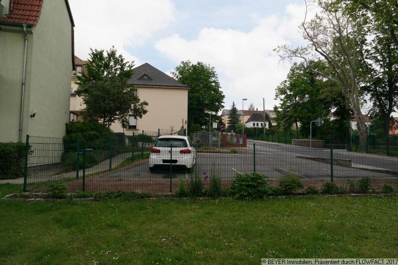 Parkflächen am Haus