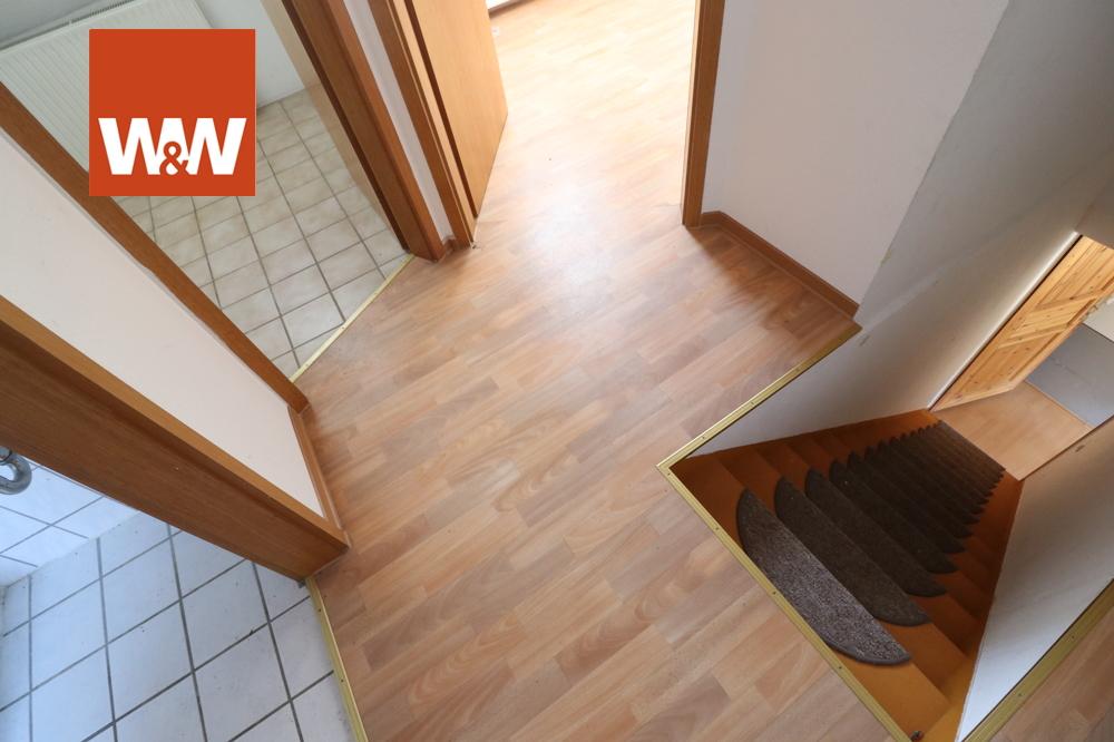Whg DG Treppenaufgang und Flur